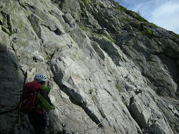 110815八ッ峰六峰の登り
