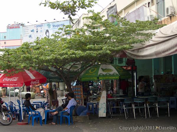 121114ベトナム・サイゴン駅構内ローカルレストラン
