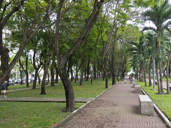 121114ベトナム・9月23日公園