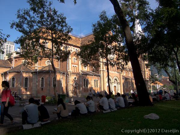 121117ベトナム・サイゴン大教会