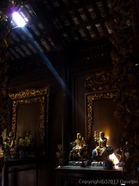 121118ベトナム・ヴィンチャン寺構内