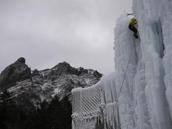 111224八ヶ岳・赤岳鉱泉アイスのゲレンデ